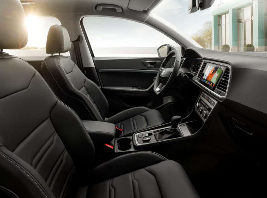 Interior shot of the 2020 Ateca with sunlight coming through the window
