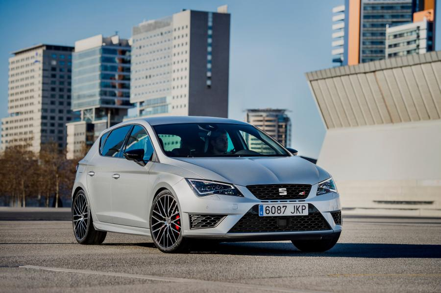 SEAT Leon CUPRA 290, exterior, static shot, 3/4 front view