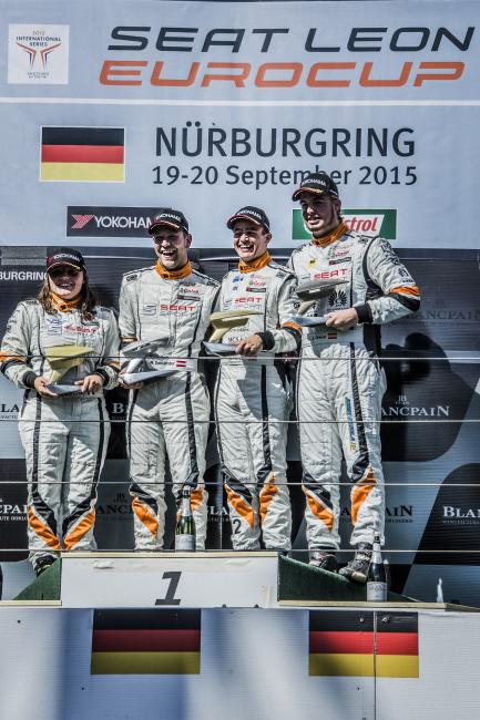 Lucile Cypriano, Mario Dablander, Alex Morgan and Jordi Oriola on the podium at the Nürburgring (race 10)